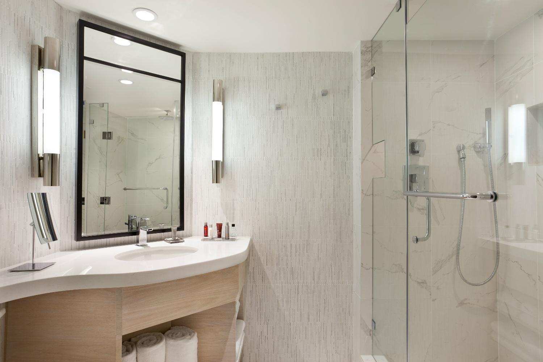 bathroom shot-w1500-h1000