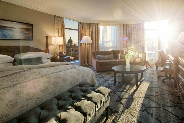 Magnolia_Corner Suite-w1500-h1000