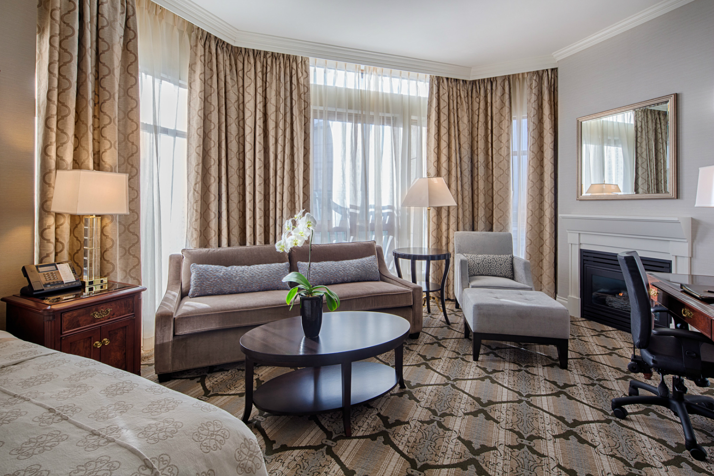 Magnolia_Suite_Living Area-w1500-h1000